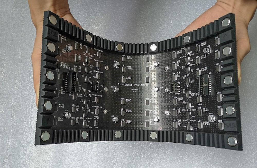 P3.076 Indoor 320x160mm LED Screen Magnet Soft Flexible LED Module